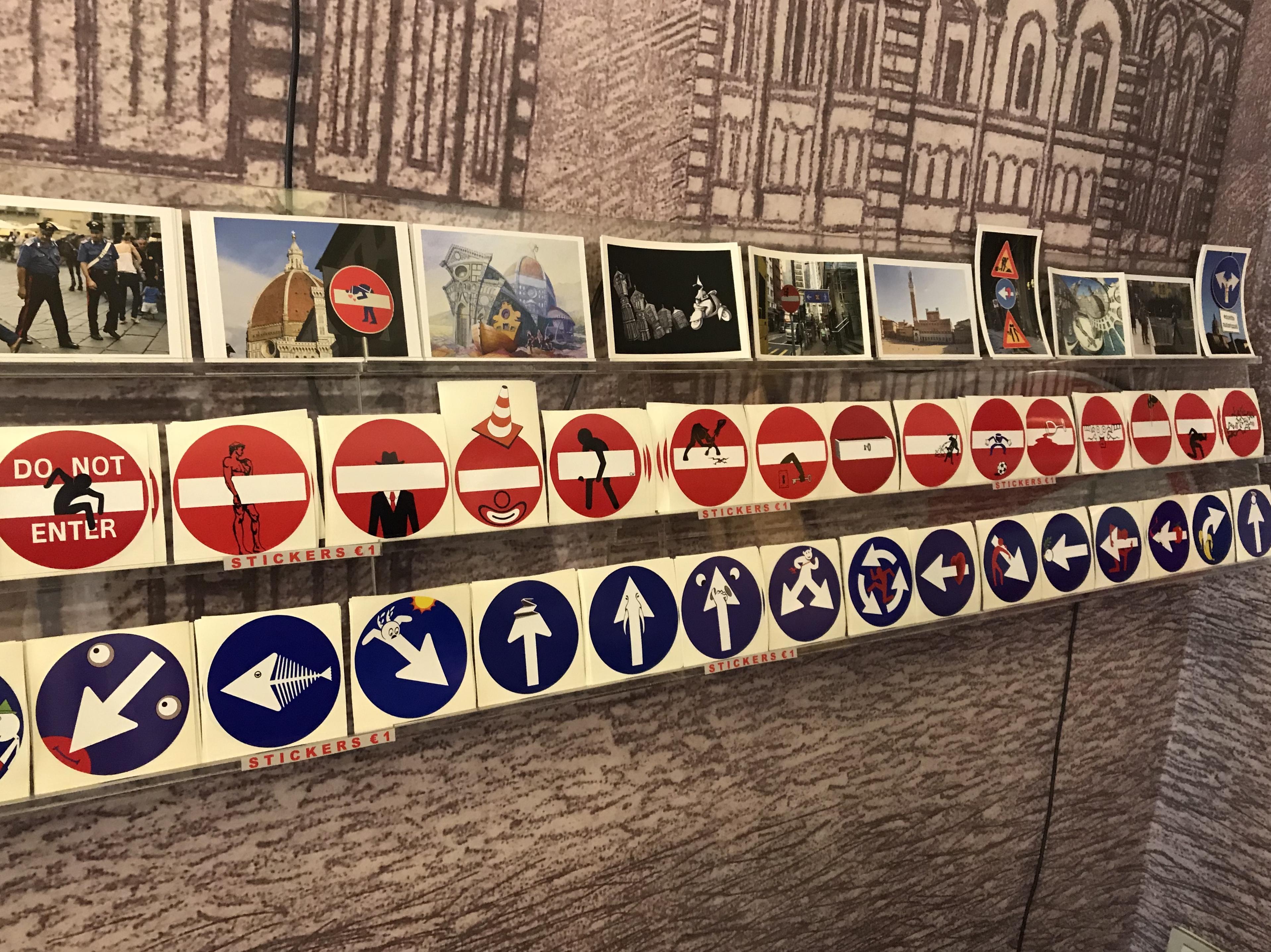 Znaki drogowe, które rozbudziły wyobraźnię florenckiego artysty.