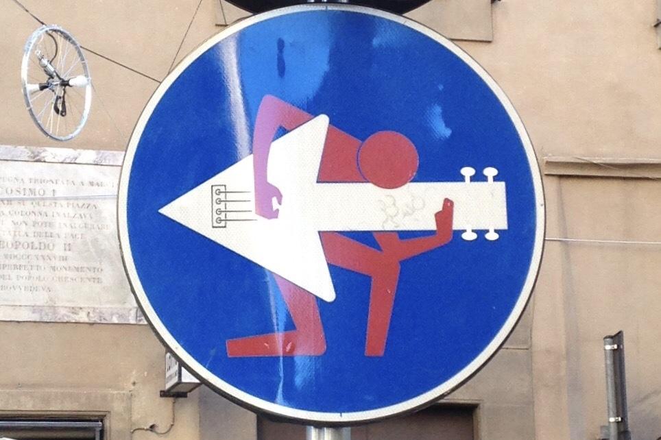 Znaki drogowe. Artysta CELT. Florencja.